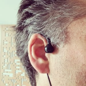 The wearable spatial microphone Sonic Presence SP15